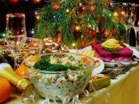Скільки коштуватиме накрити новорічний стіл?