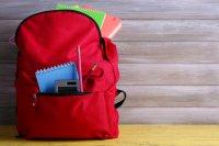 300 шкільних портфеликів вручили дітям з малозабезпечених родин